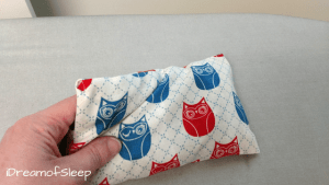 How to make a rice and lavender sleeping eye pillow to help relaxation